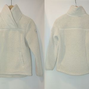 The North Face Campshire Girls Sherpa Fleece Pullover Sweatshirt